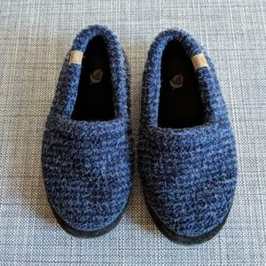 ACORN Boys Blue Slippers size 1-2